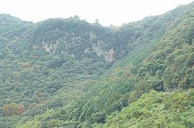 ④前方上空にある白峯陵