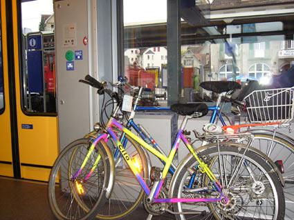 イス3脚分が自転車用スペースになります