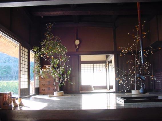 ②古民家における正月飾りの再現。
