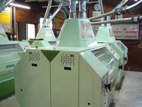 実際の工場内でのロール機